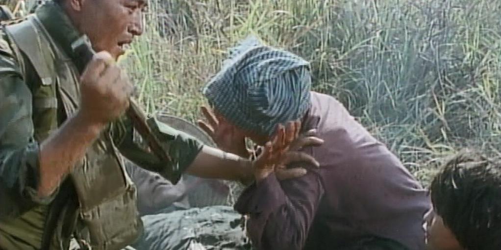 ホワイト・バッジ ピョン一等兵(イ・ギョンヨン) ベトナムの民間人を殺すことを強要される